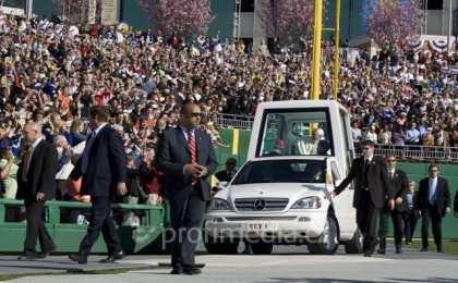 Папа Римский пересядет на электромобиль
