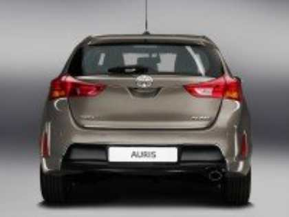 Toyota Auris нового поколения дебютирует на Парижском автосалоне