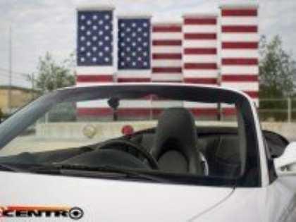 Американские тюнеры сделали Porsche 911 одноместным для анонимного заказчика