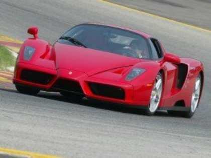 На автосалоне в Женеве дебютирует преемник спорткара Ferrari Enzo