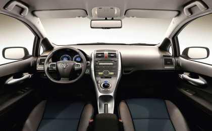 Toyota не вернет имя Corolla хэтчбеку Auris