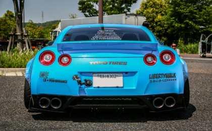 Nissan GT-R в обвесе Liberty Walk на дисках Forgiato Wheels